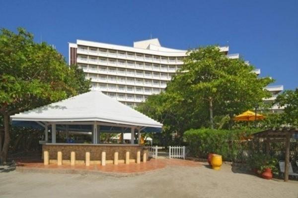 Fachada - Entrada.  Fuente: Hilton Cartagena Fanpage Facebook