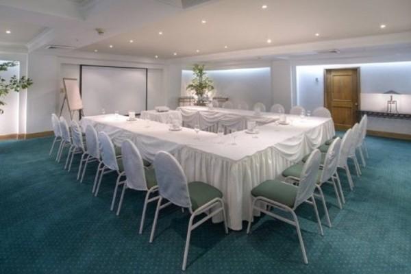 Sala de reuniones.  Fuente: Hilton Cartagena Fanpage Facebook
